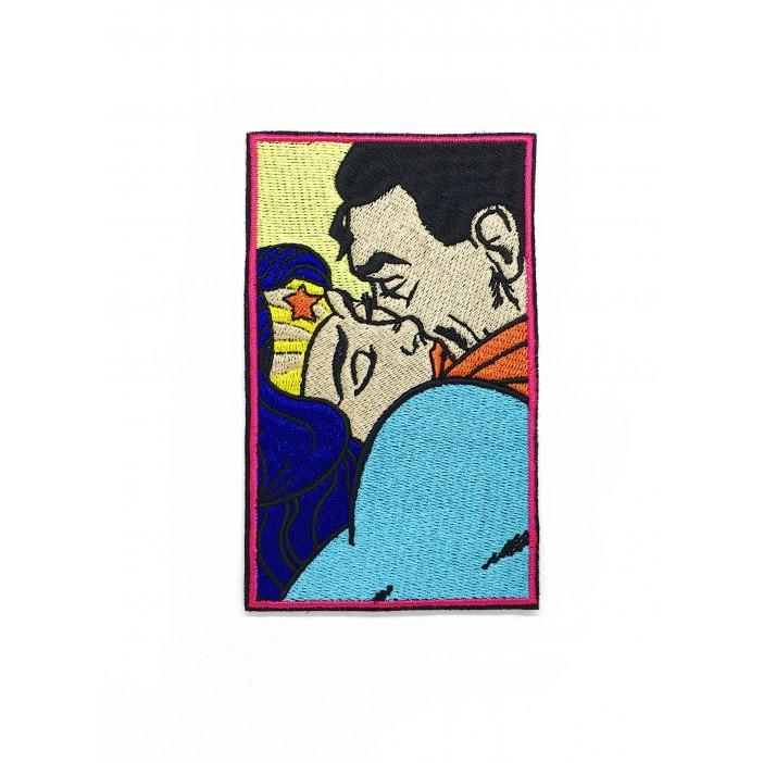 "Superman And Wonder Woman Kiss ""7 x 12cm"""